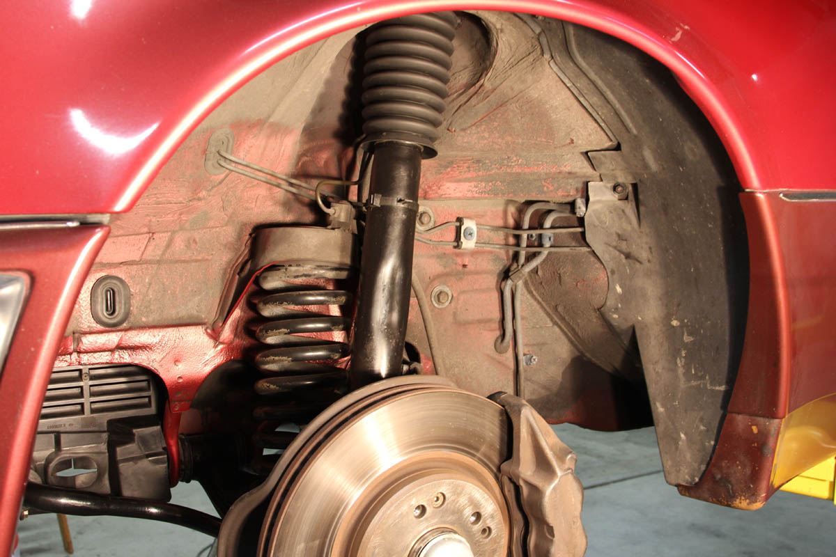 HOW-TO: Replacing Front Upper Strut Mounts & Spring Pads